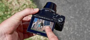 Picture of RX100 VI - broad zoom range and super-fast AF