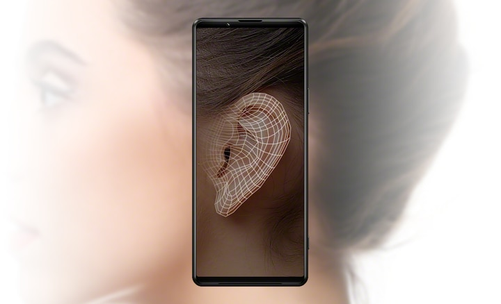 Image of an Xperia 1 III using the Sony | Headphones Connect app to analyse the shape of a woman's ear