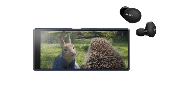 Image of video content on smartphone and WF-H800 headphones