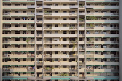 16-image pixel shift multi shooting with Sony Alpha 7R IV gives HDB building extraordinary detail and depth, even when enlarged.
